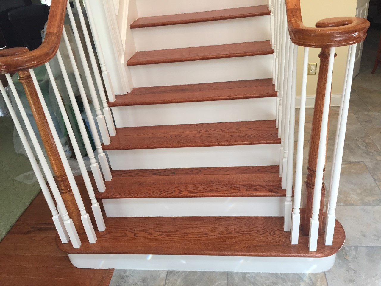 Stairs Snanding And Refinishing